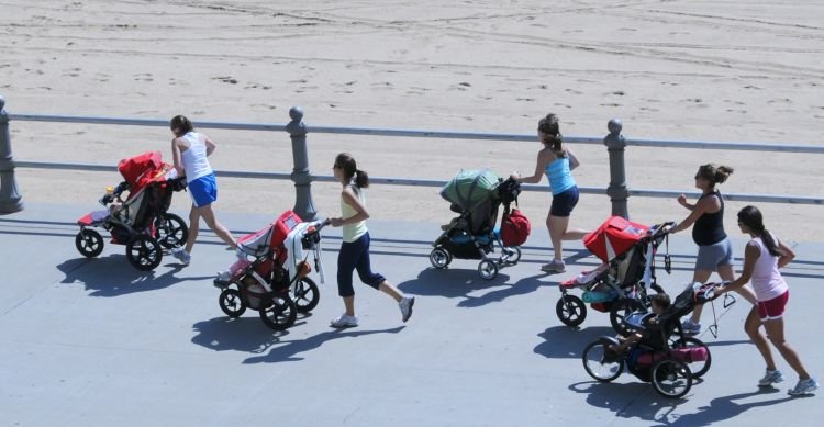Best Jogging Strollers in 2017 - For Toddler, Twins, Newborn